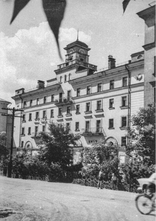 Молотов (Пермь). Кинотеатр «Молот» на улице Лебедева, 1955-65гг.