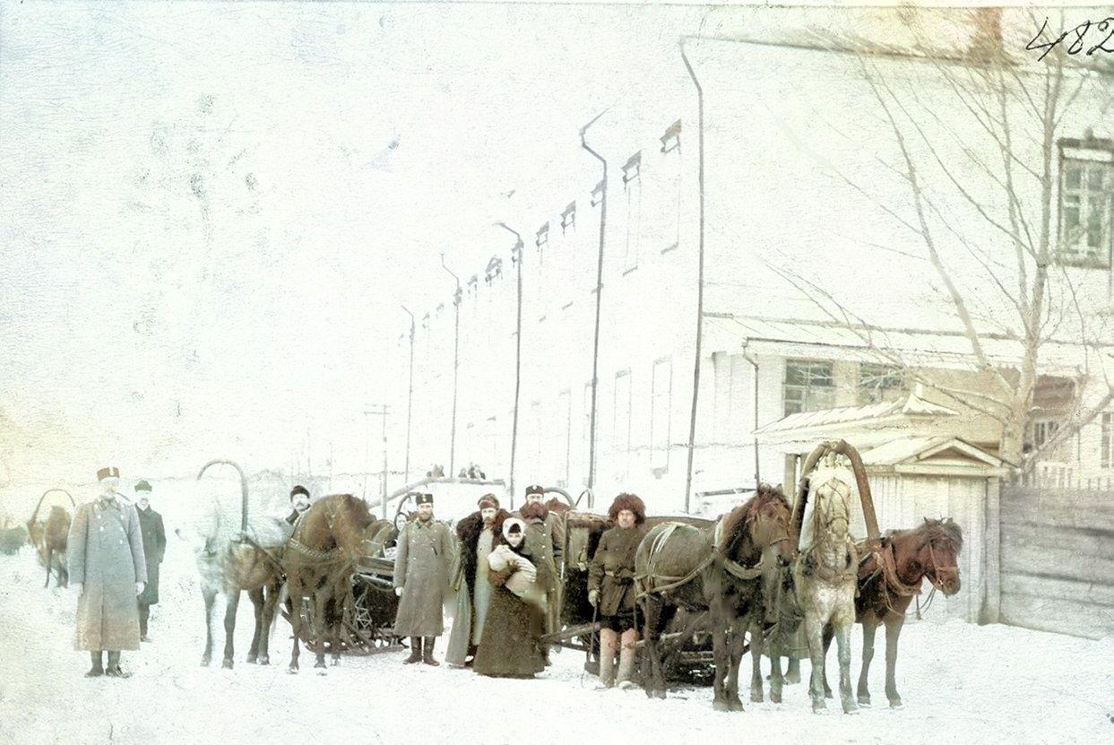 Жандармы на городской улице
