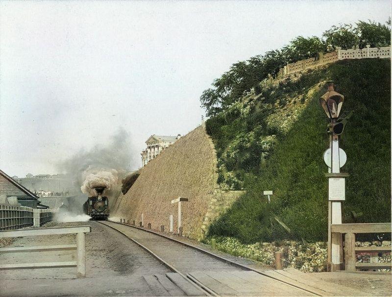 Железнодорожная линия недалеко от дома Мешкова