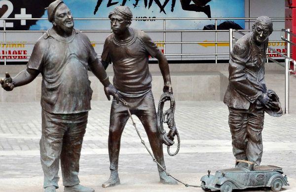 Памятник Трус, балбес и бывалый в Перми