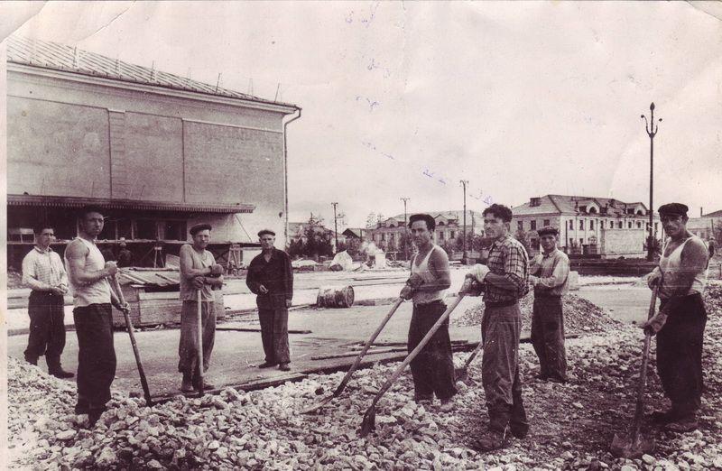 """Строительство кинотеатра """"Экран"""", 1959 год."""