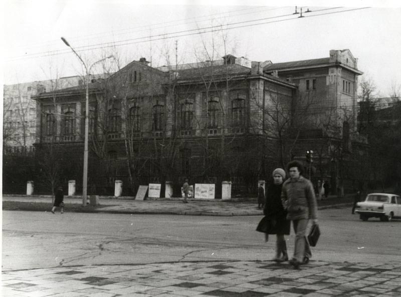 Улица Плеханова. Больница № 21