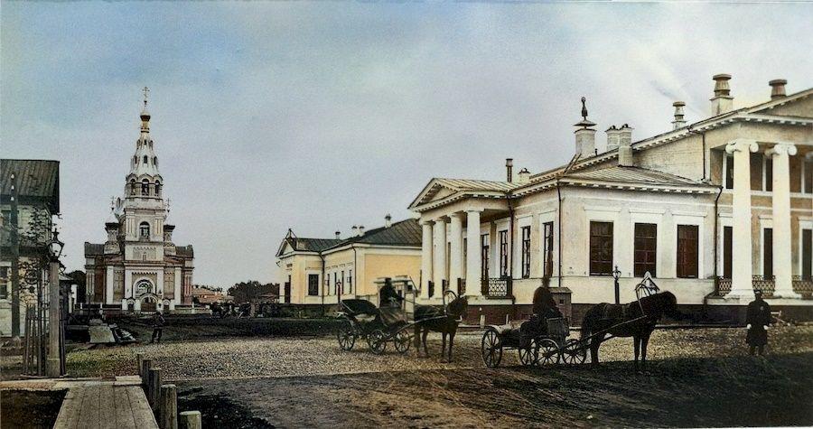 Воскресенская церковь и здание Благородного собрания