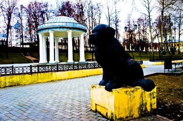 Памятник собаке спасателю