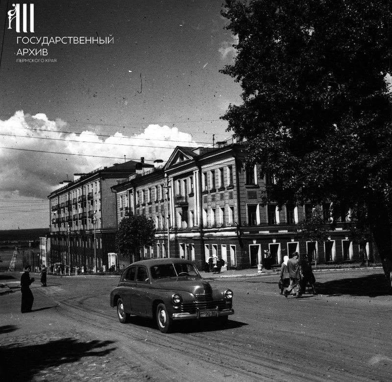 Угол улиц 25 Октября и Советской