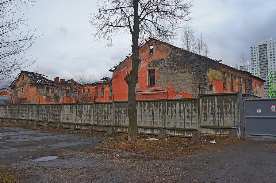 Красные казармы